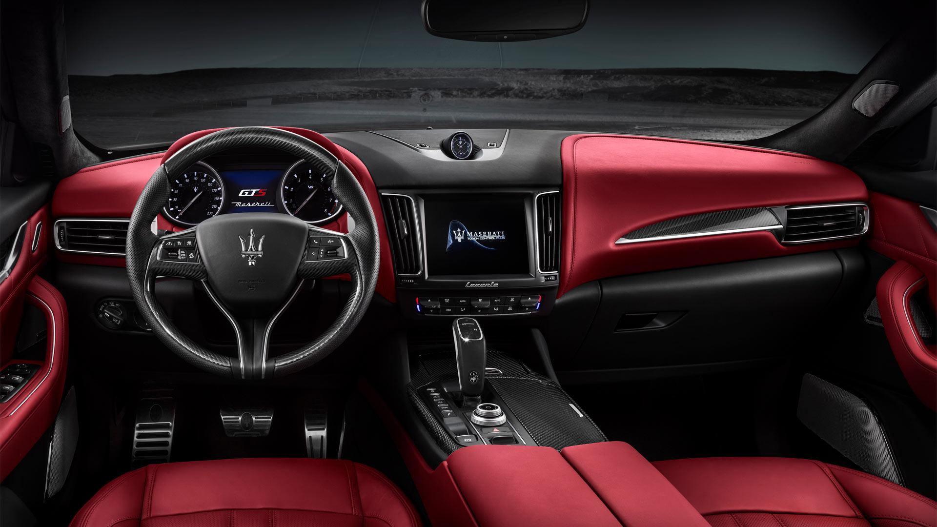2019-Maserati-Levante-GTS-interior