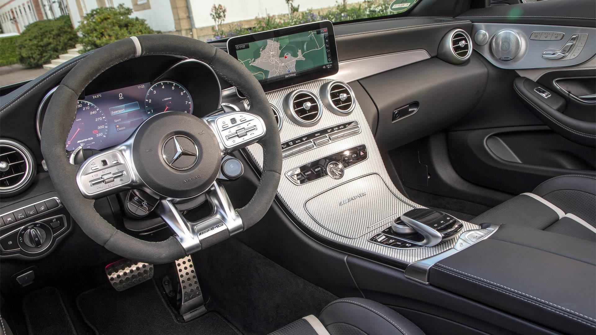 2019-Mercedes-AMG-C-63-S-Cabriolet-interior