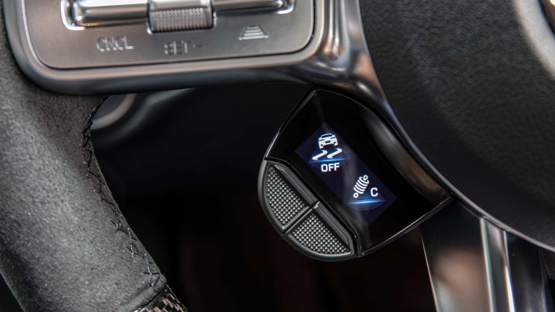2019-Mercedes-AMG-C-63-S-steering-wheel