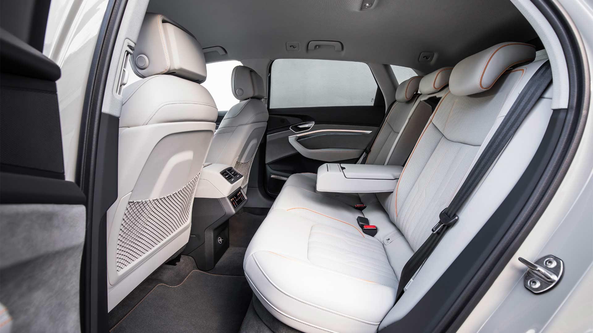 Audi-e-tron-prototype-interior_6