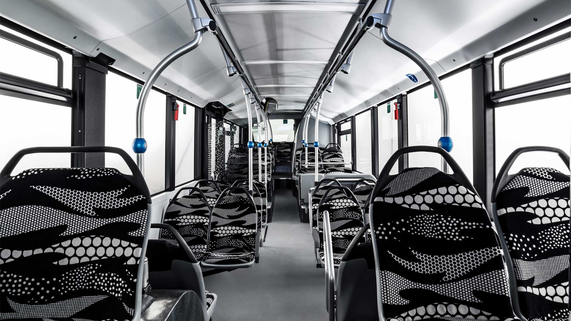 Mercedes-Benz-eCitaro-interior_3