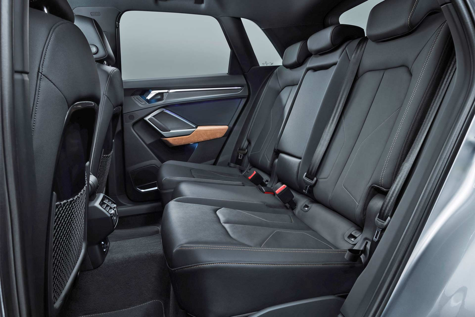 Second-Generation-2019-Audi-Q3-interior_4