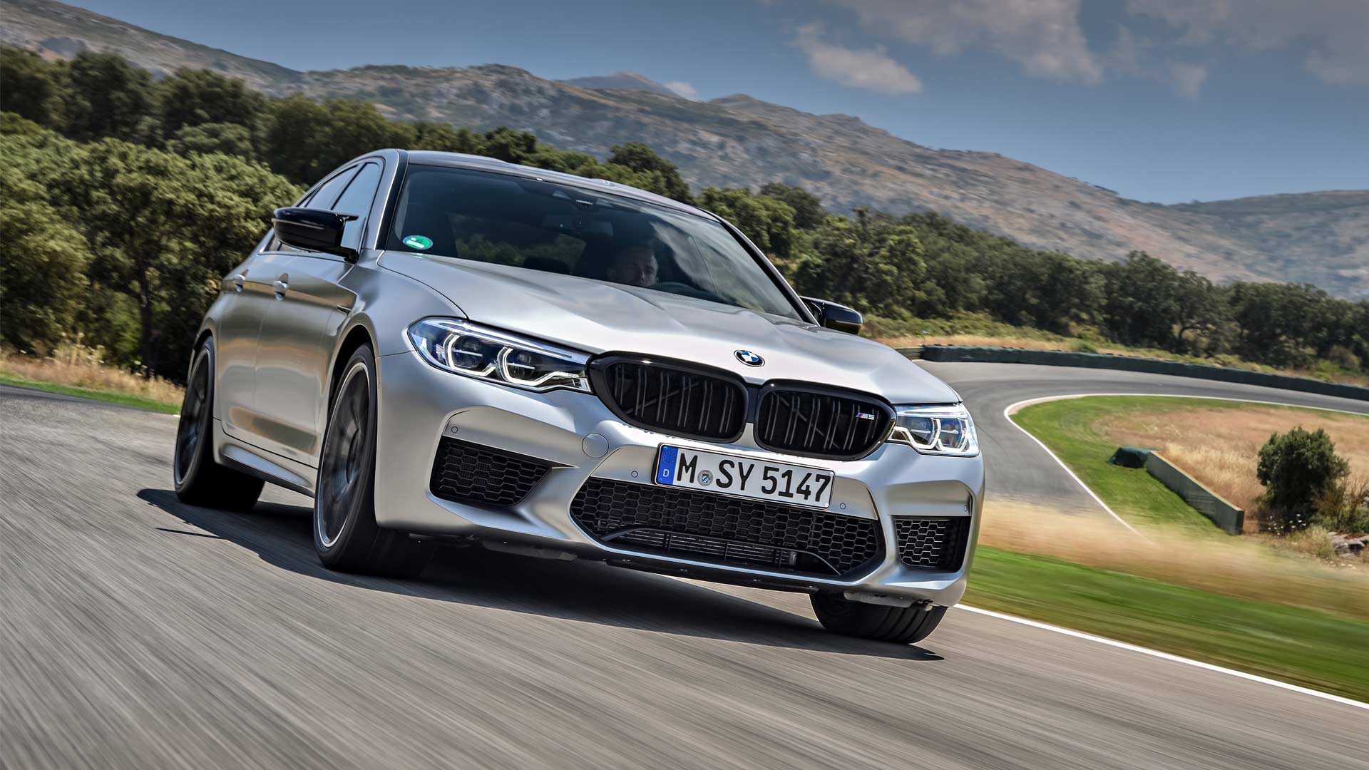 2018-BMW-M5-Competition_2