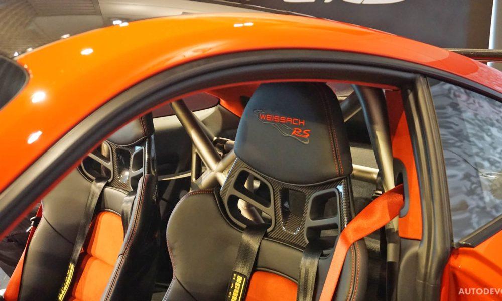 2018-Porsche-911-GT2-RS-interior_8