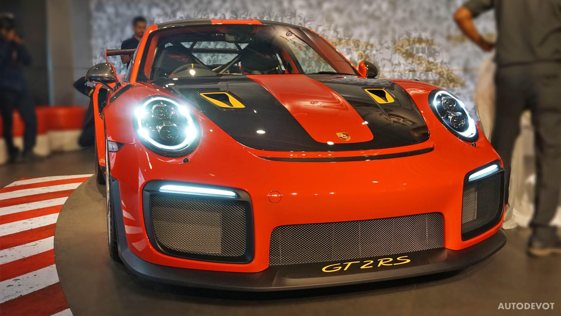 2018-Porsche-911-GT2-RS_10