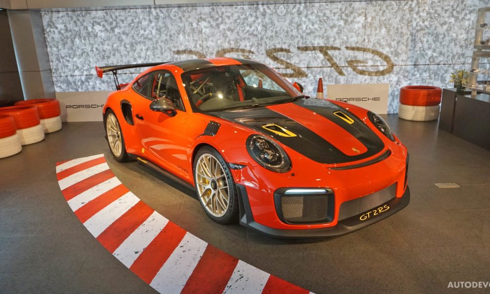 2018-Porsche-911-GT2-RS_14