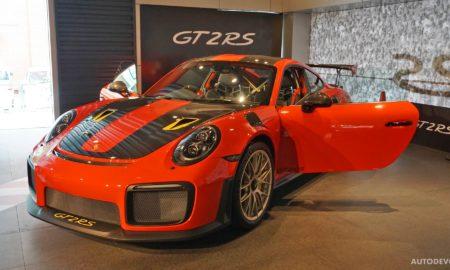 2018-Porsche-911-GT2-RS_19