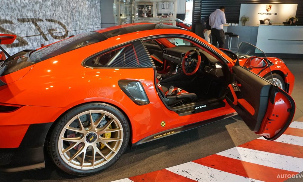 2018-Porsche-911-GT2-RS_24