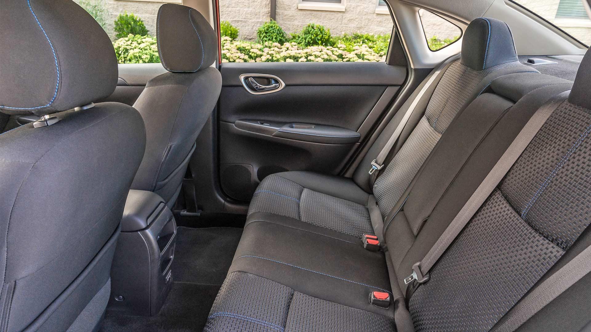 2019 Nissan Sentra SR Turbo interior