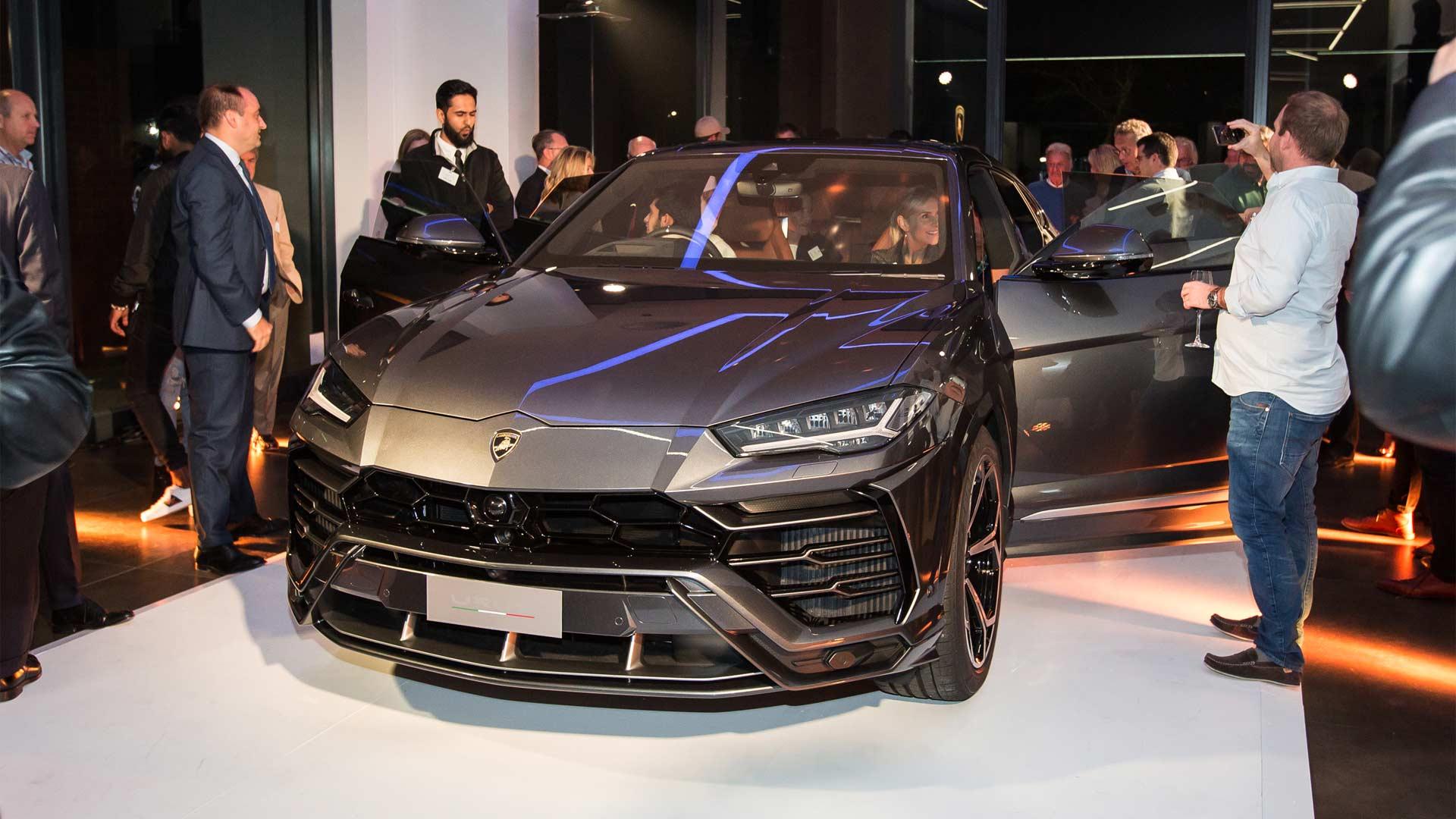 Lamborghini-Cape-Town-Urus-showcase