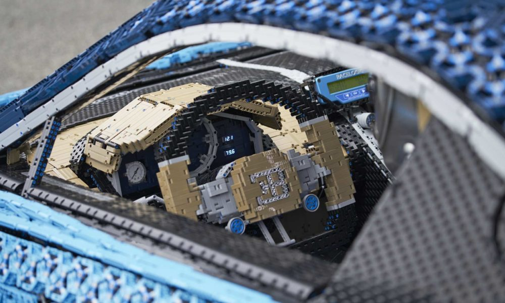 Lego-Technic-Bugatti-Chiron-Interior