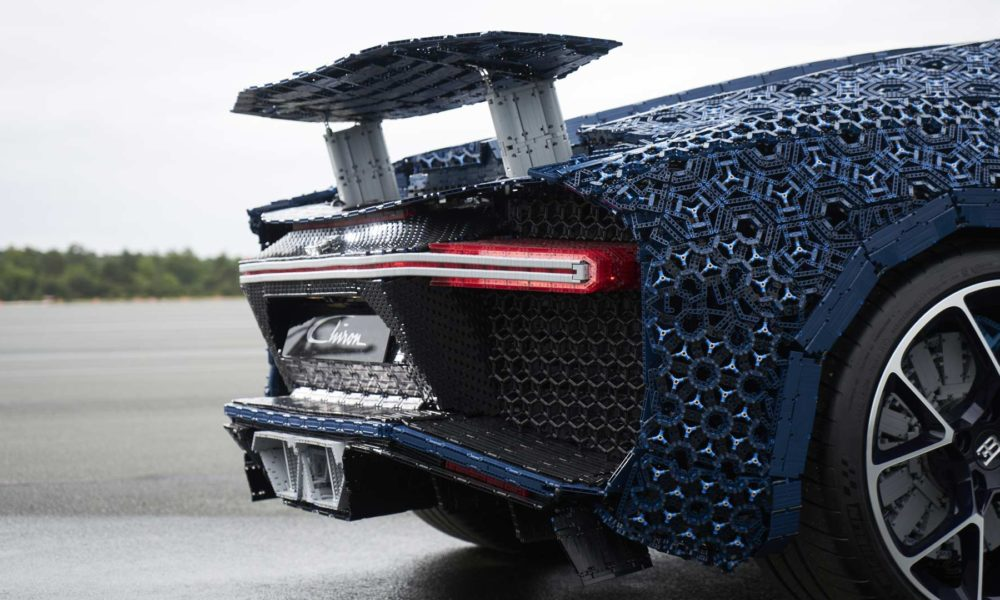 Lego-Technic-Bugatti-Chiron-Wing