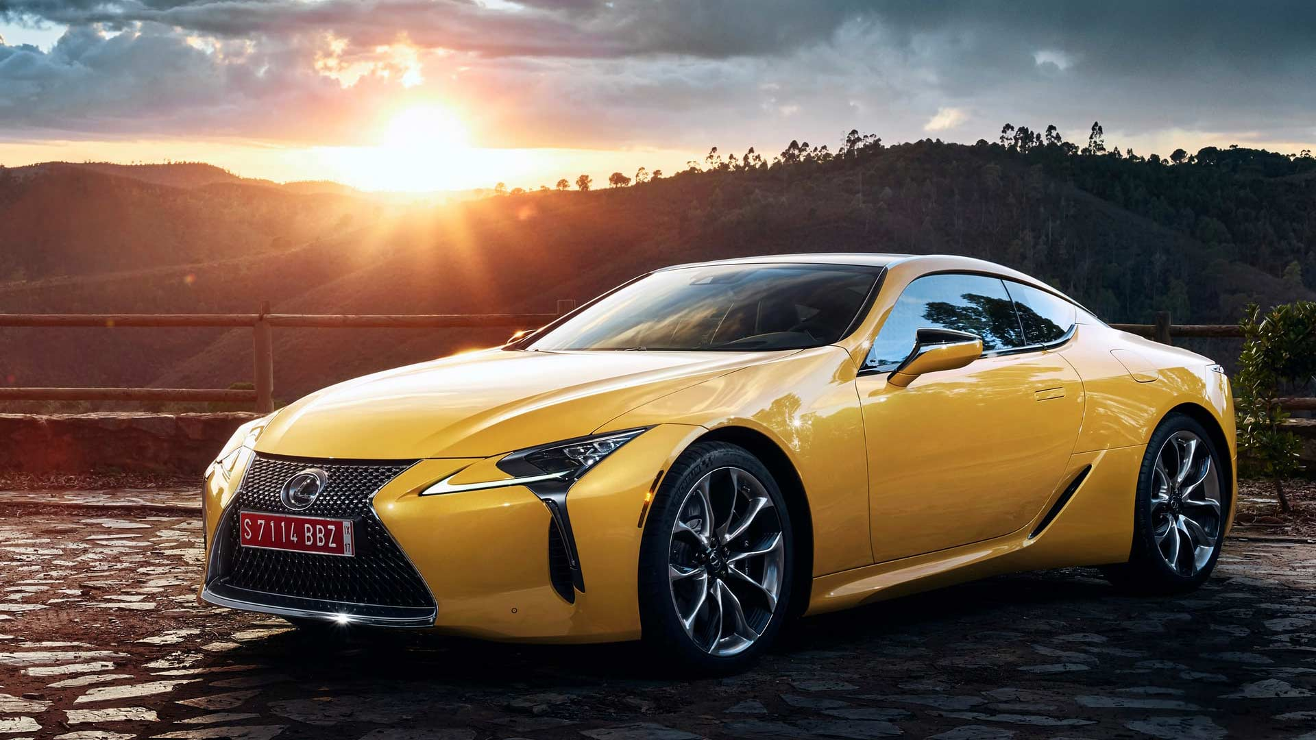 Lexus-LC-Yellow-Edition_2