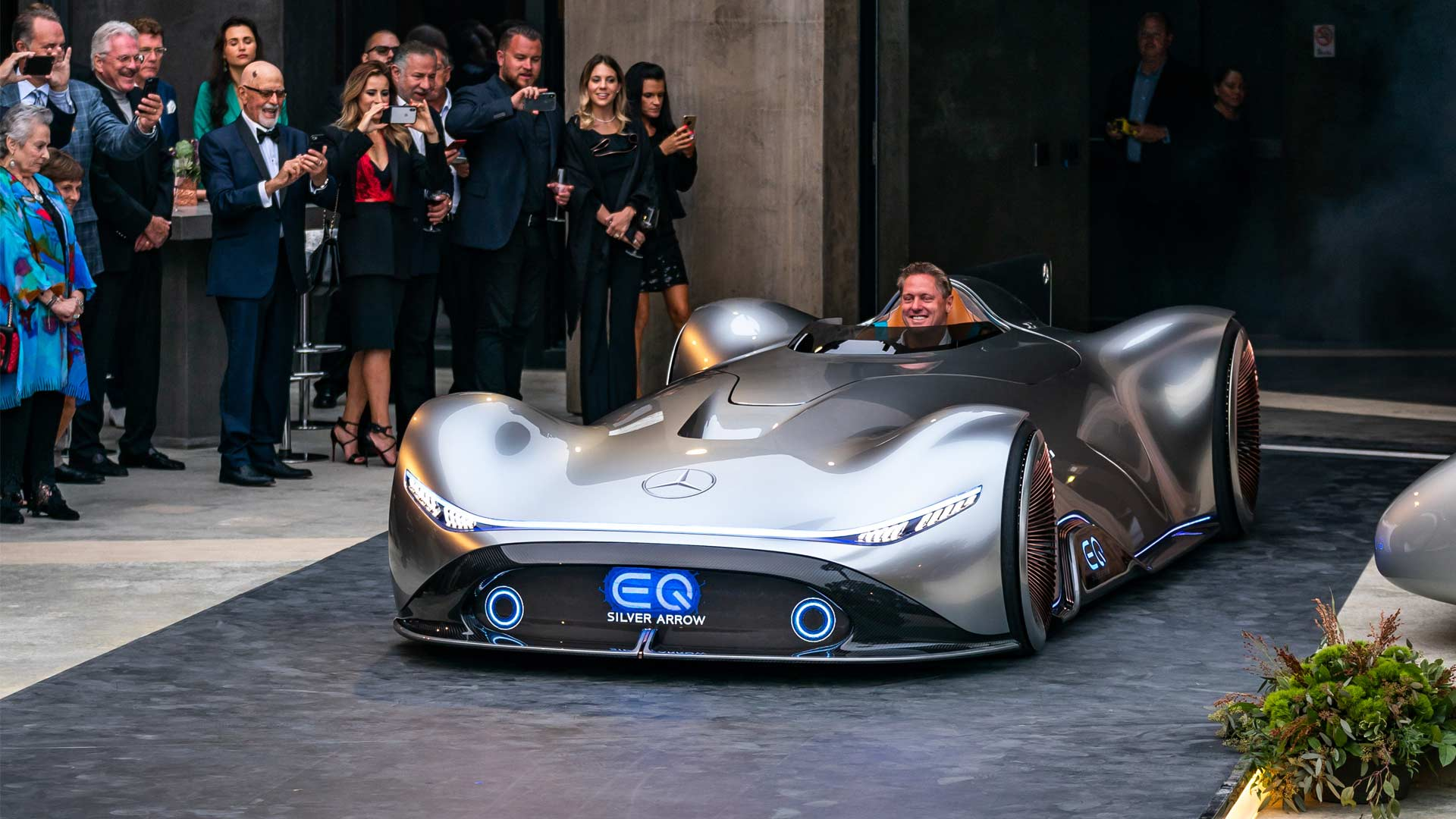Mercedes Benz Vision Eq Silver Arrow