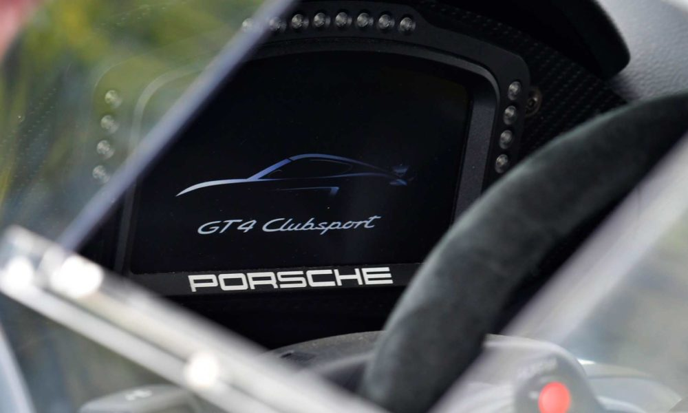 Porsche-Cayman-GT4-Clubsport-interior_2