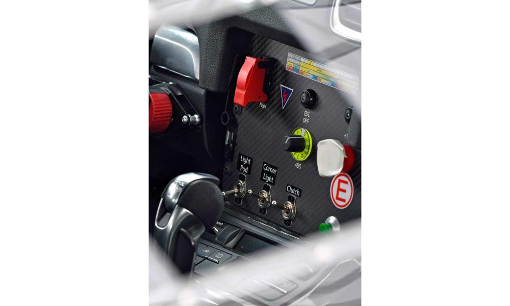 Porsche-Cayman-GT4-Clubsport-interior_3