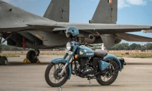 Royal-Enfield-Classic-350-Signals-Edition Airborne Blue