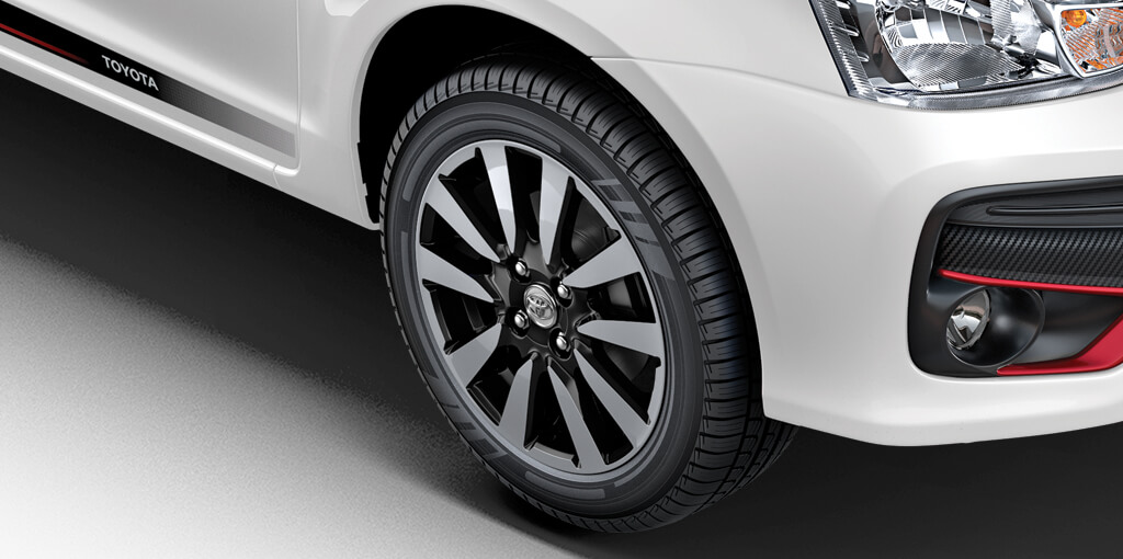 Toyota-Etios-Liva-dual-tone-limited-edition-wheels