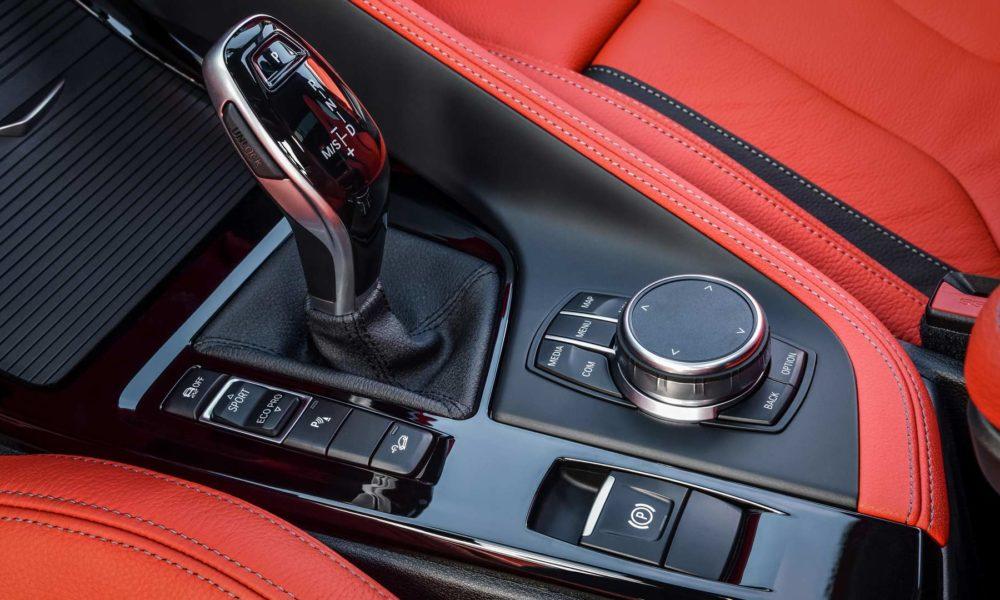 2019-BMW-X2-M35i-interior_3