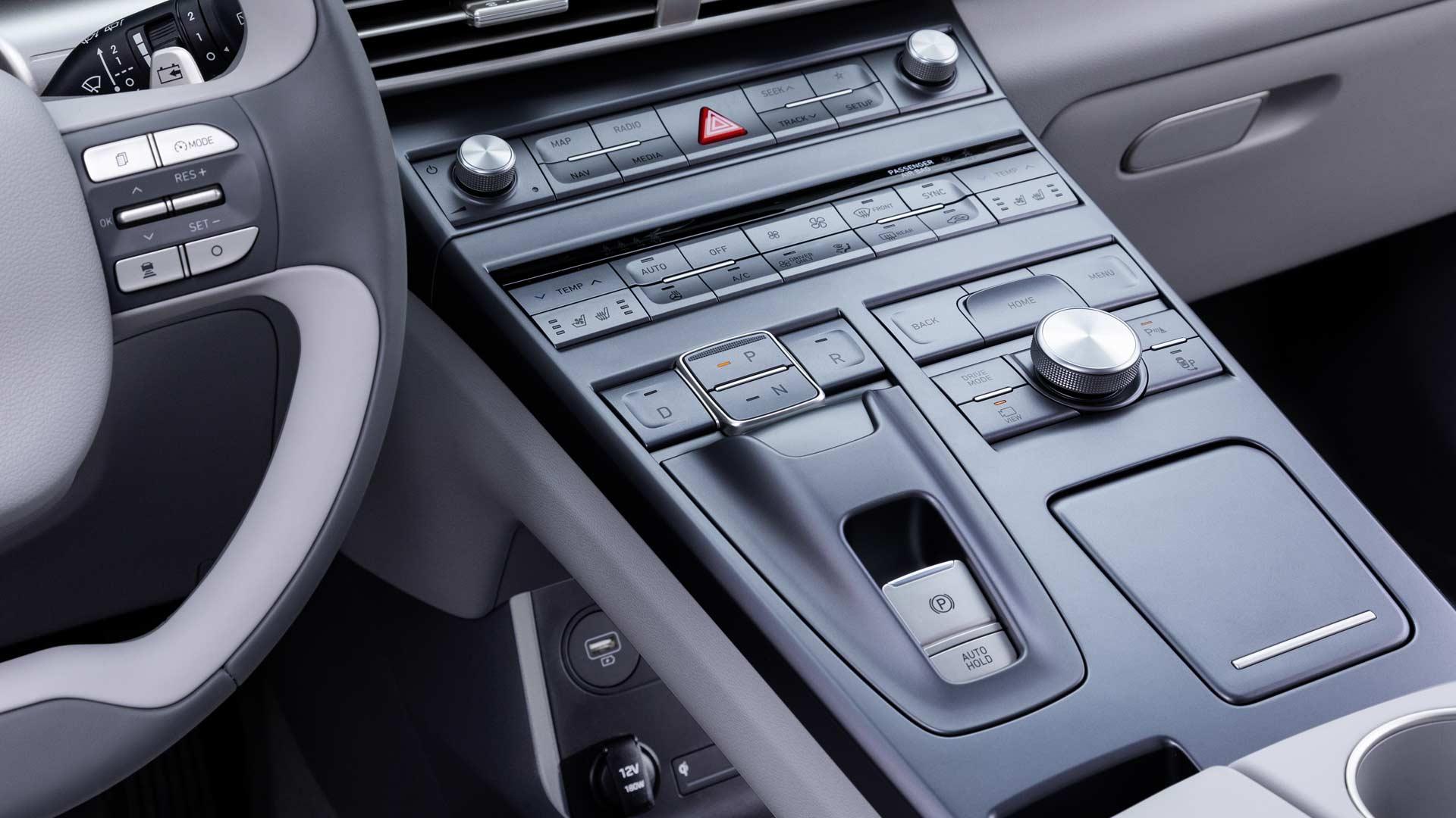 2019-Hyundai-Nexo-fuel-cell-SUV-Interiors_3