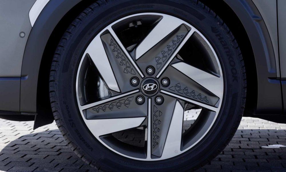 2019-Hyundai-Nexo-fuel-cell-SUV-Wheels