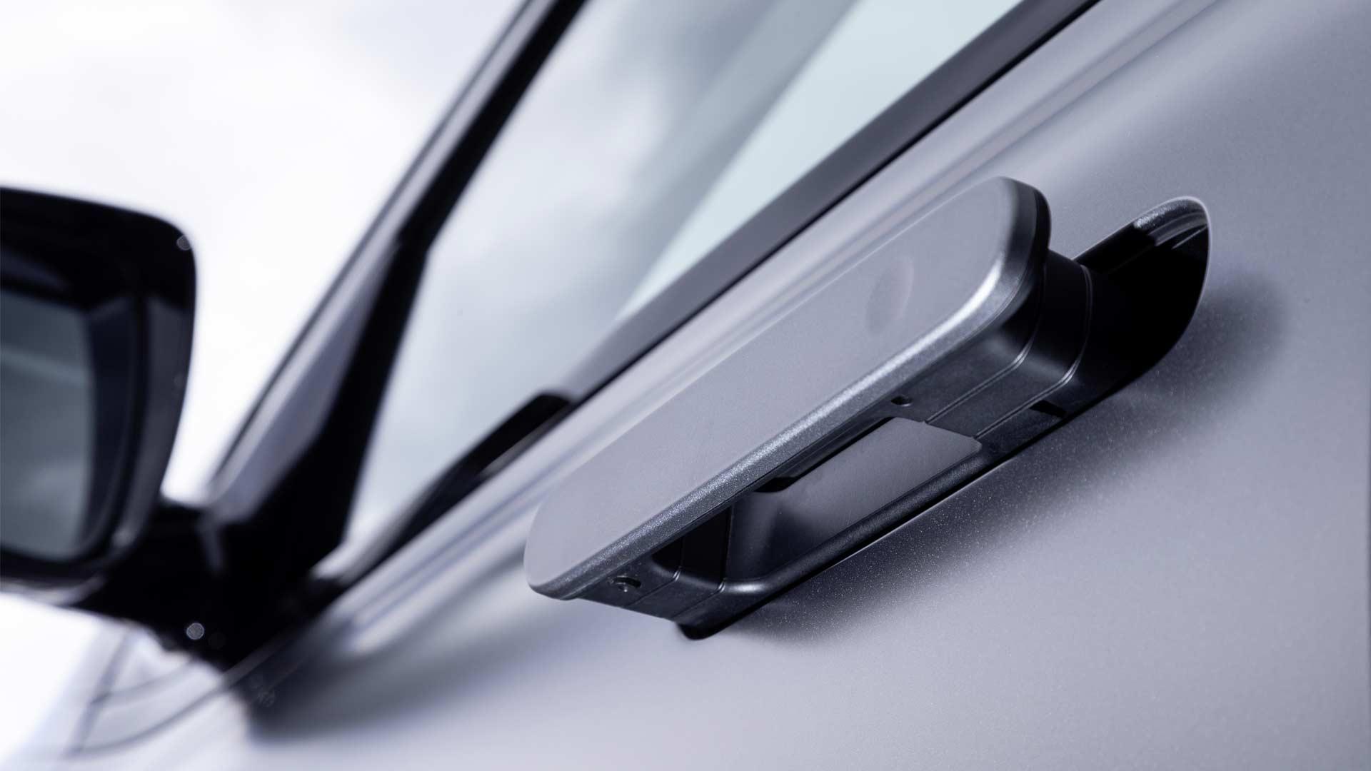 2019-Hyundai-Nexo-fuel-cell-SUV-door-handle