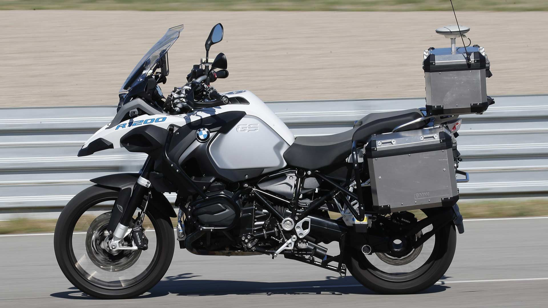 BMW-R-1200-GS-autonomous-bike