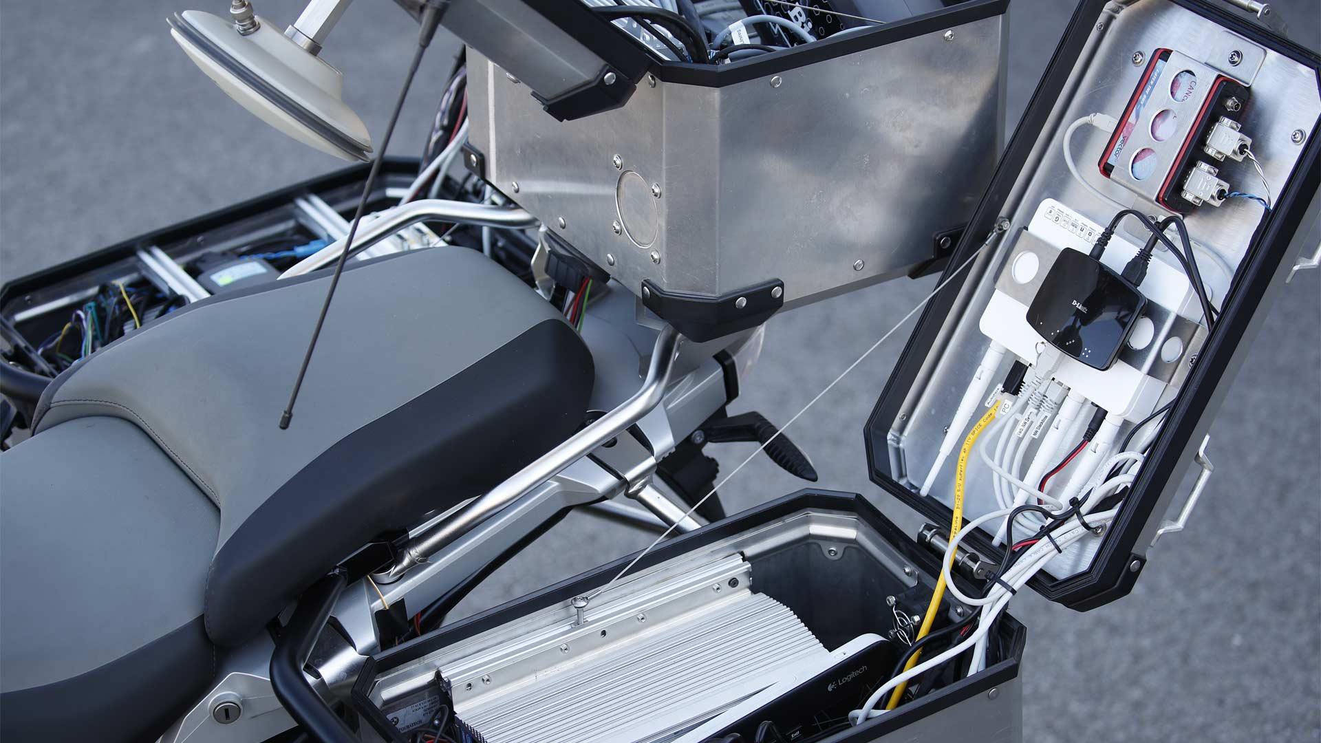 BMW-R-1200-GS-autonomous-bike_6