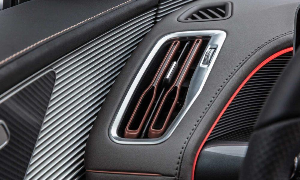 Mercedes-Benz-EQC-Interior_4