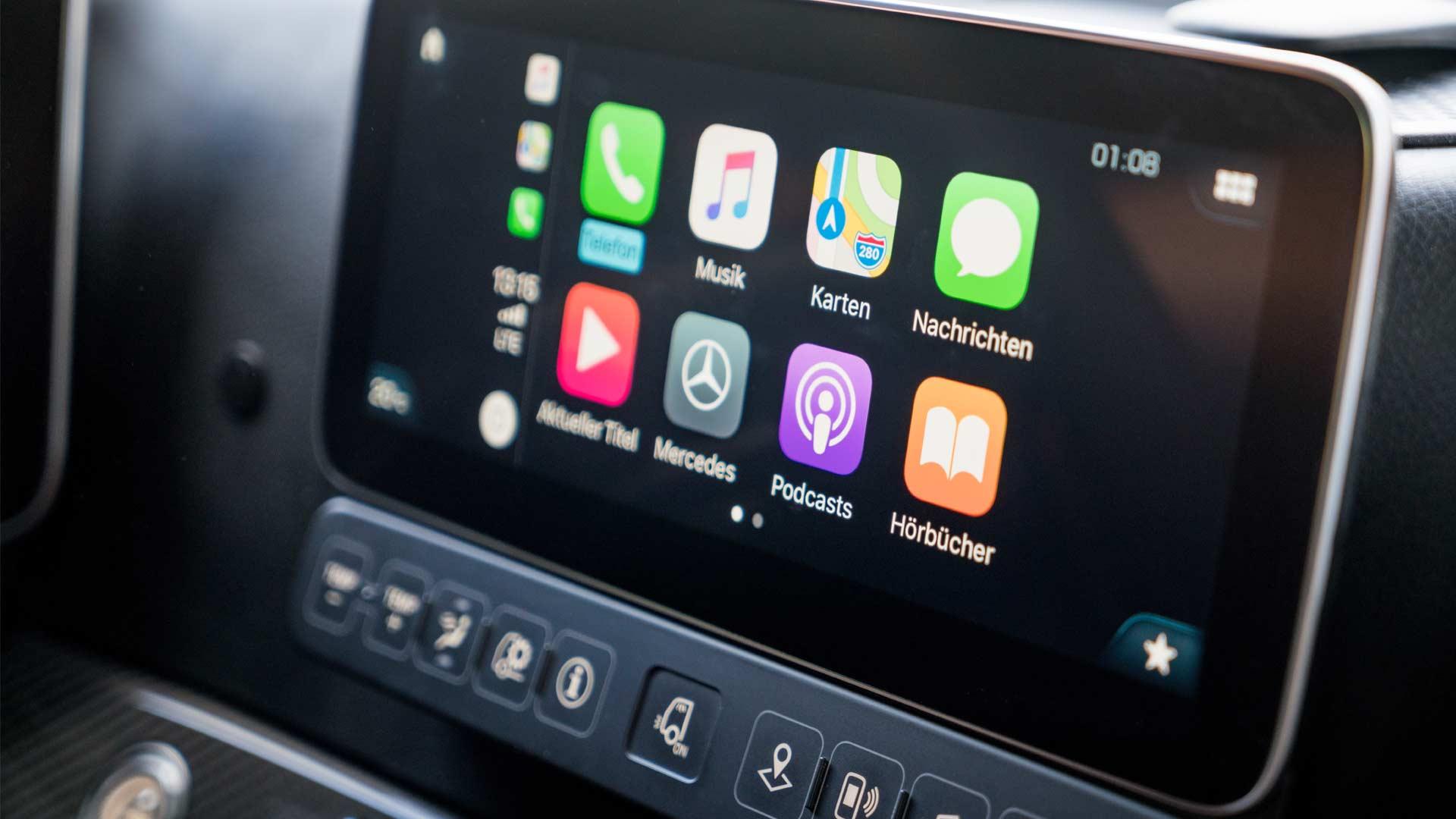 New-2019-Mercedes-Benz Actros Interior_3