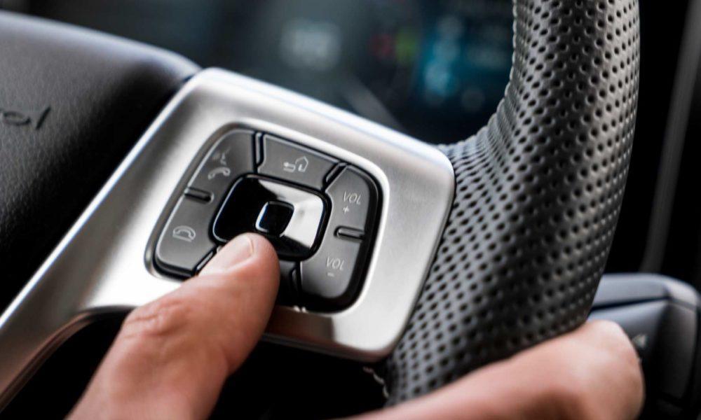 New-2019-Mercedes-Benz Actros Interior_4