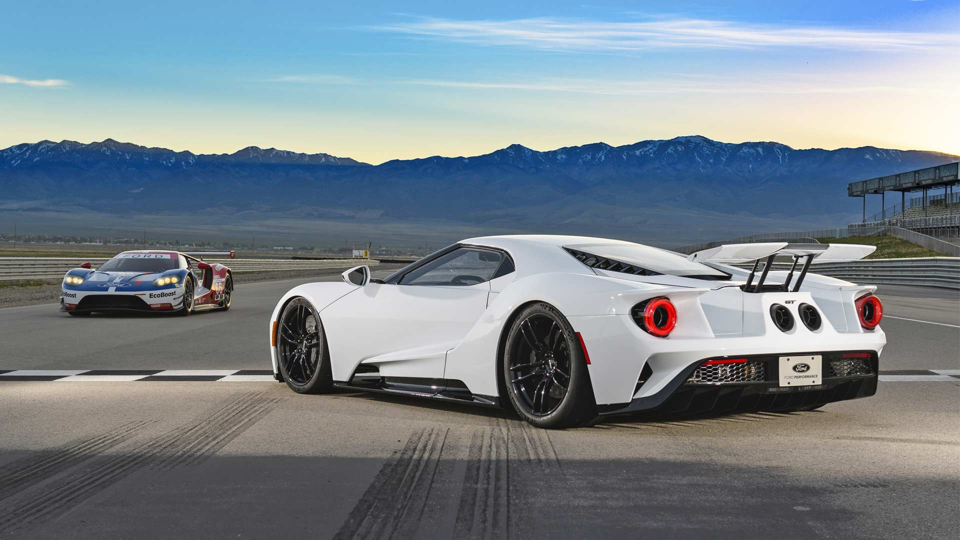 2017-Ford-GT-rear-wing
