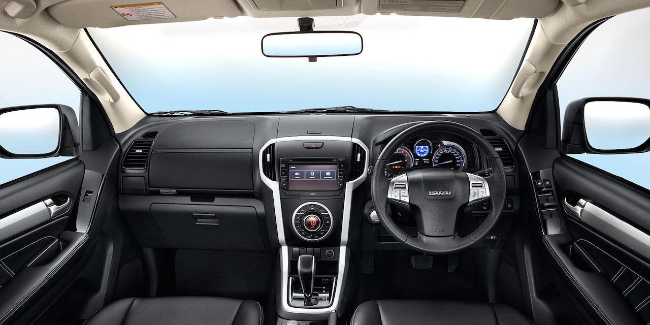 2018 Isuzu MU-X facelift Interior