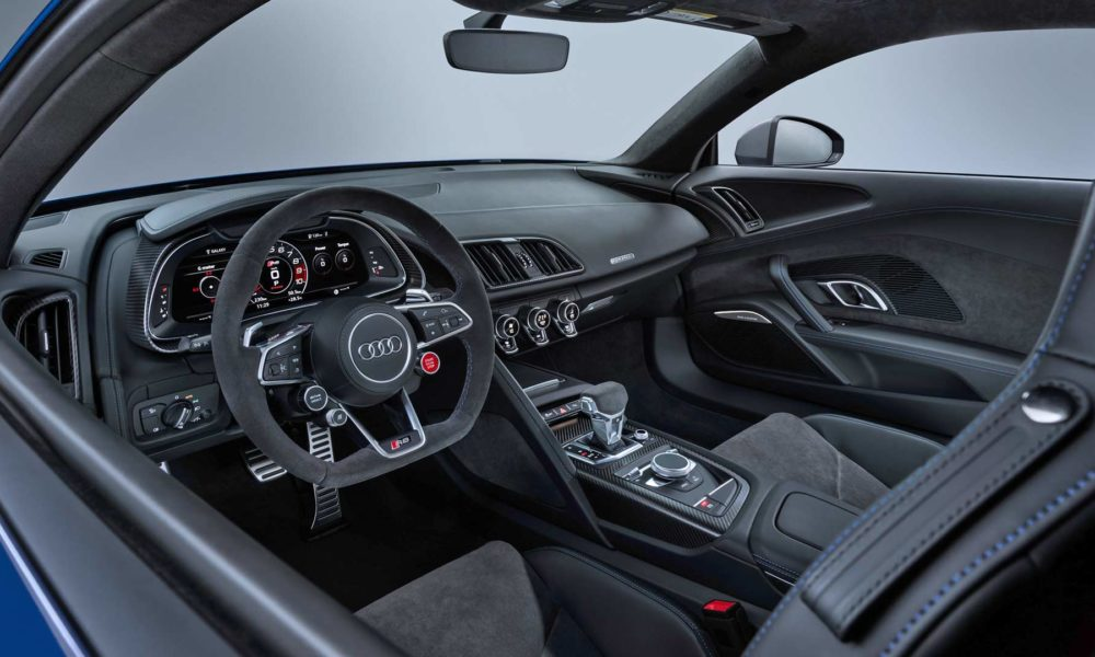 2019-Audi-R8-Coupe-Interior