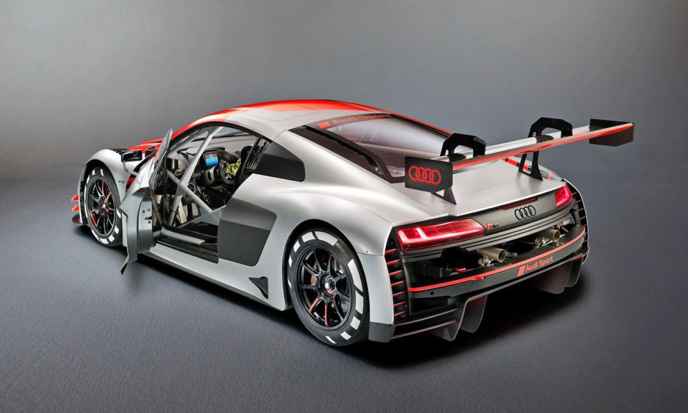 2019-Audi-R8-LMS-GT3-Interior