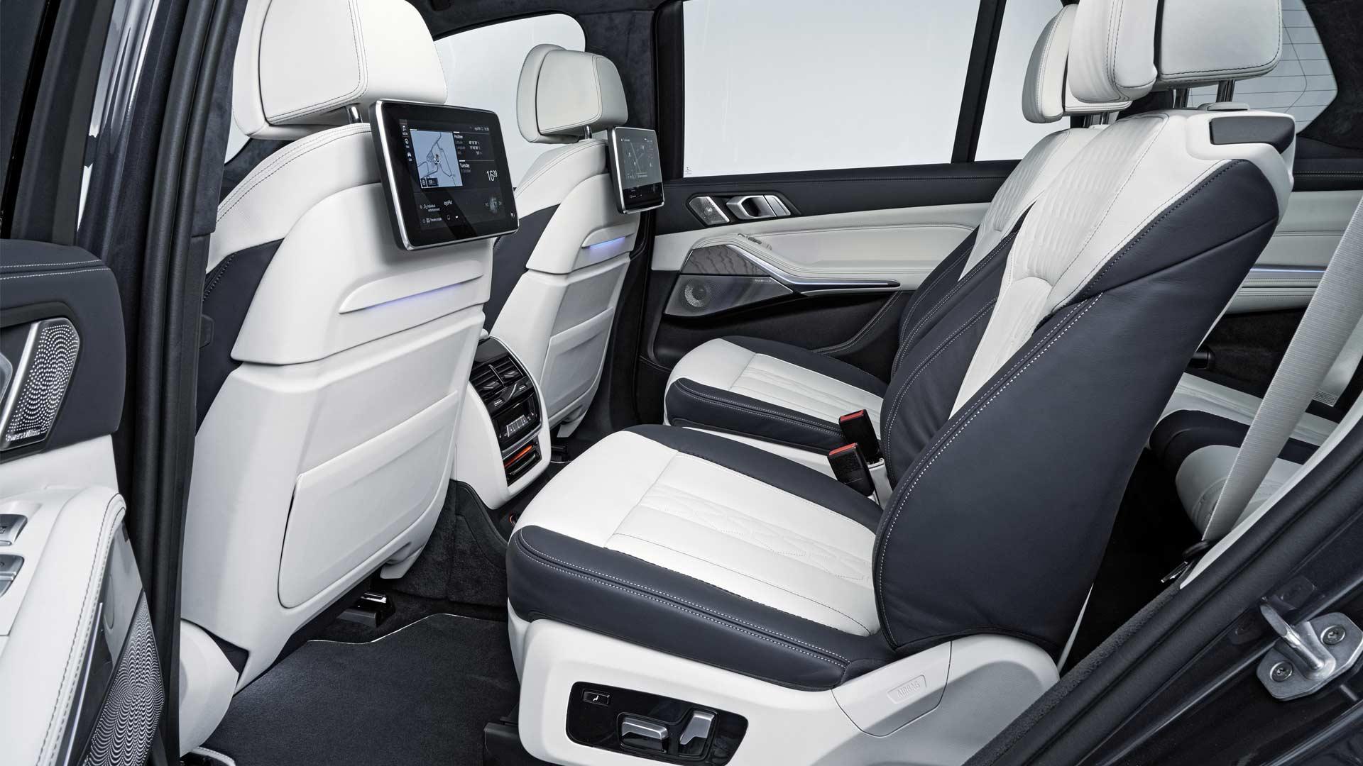 2019-BMW-X7-Interior_5