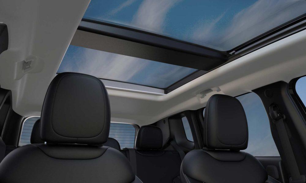 2019-Jeep-Renegade-Interior_3