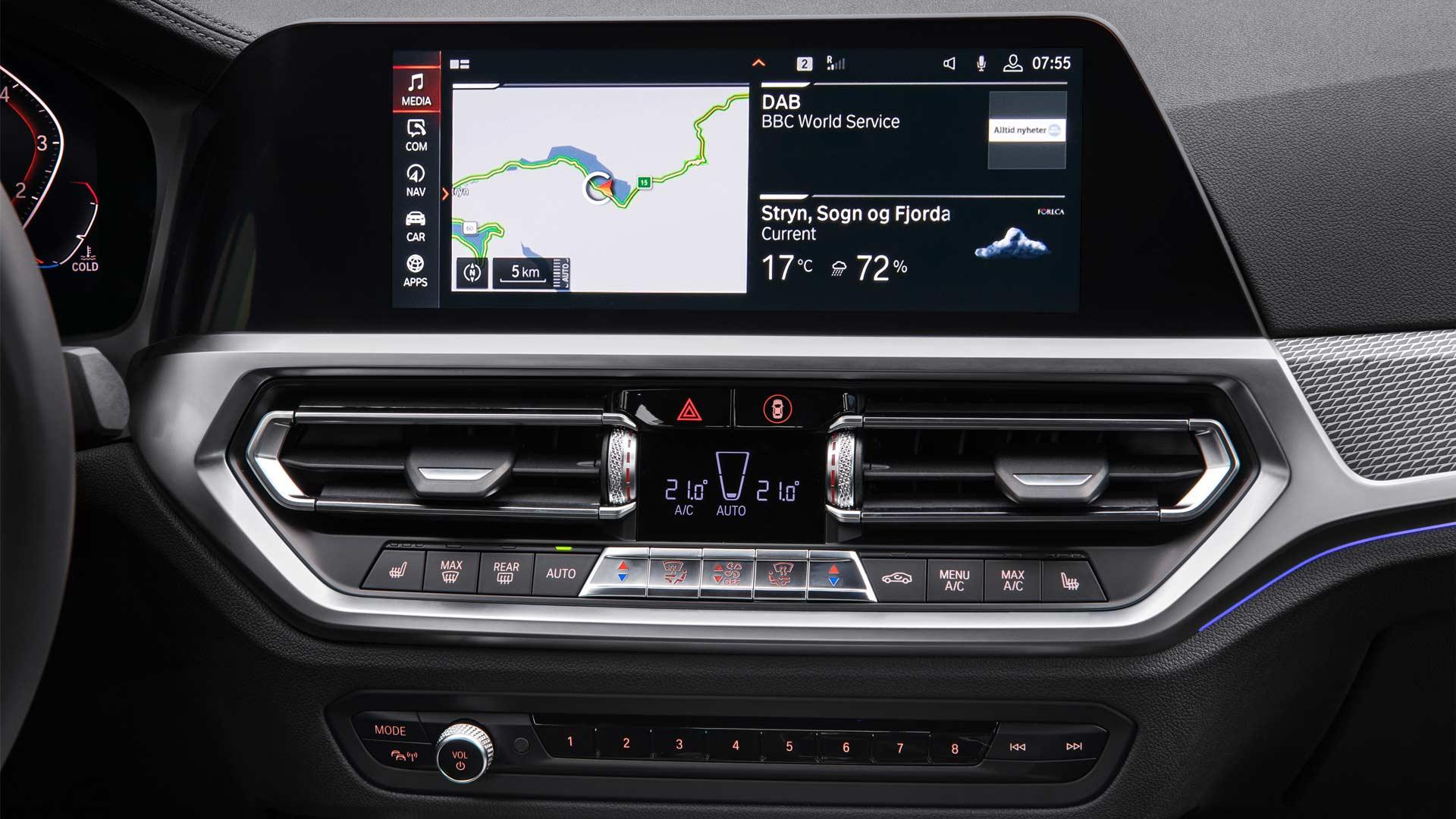 7th-generation-2019-BMW-3-Series-M-Sport-Interior_2