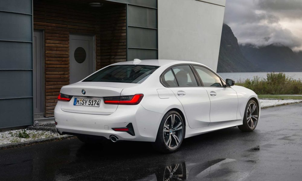 7th-generation-2019-BMW-3-Series-Sport-Line_2