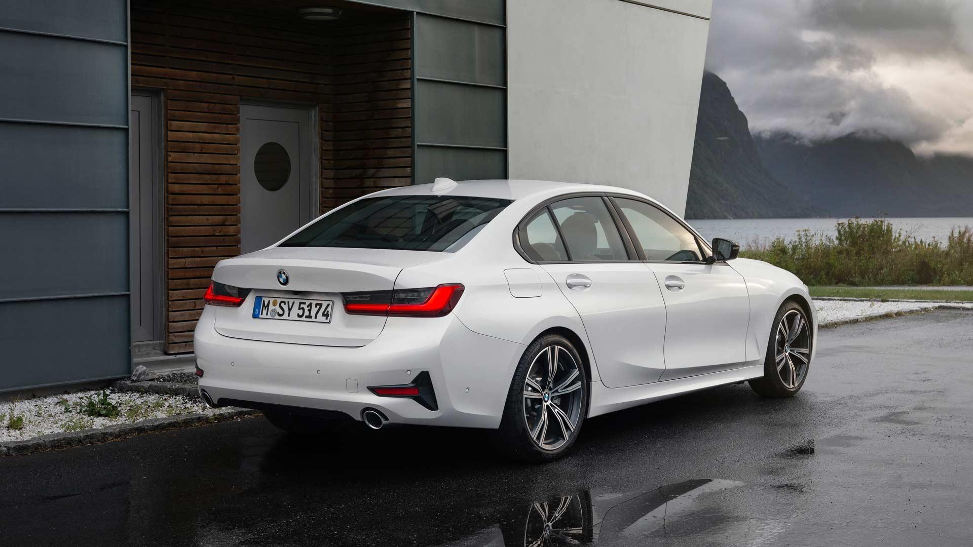 7th-generation-2019-BMW-3-Series-Sport-Line_2