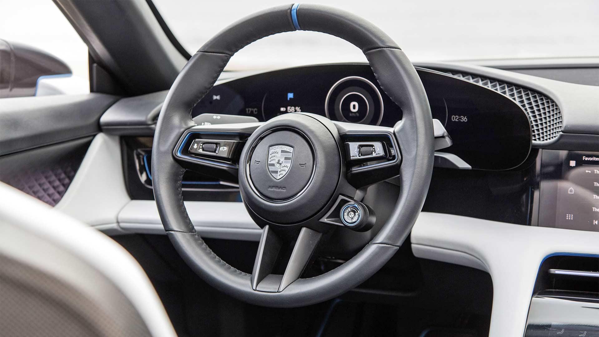 Porsche-Mission-E-Cross-Turismo-Interior-2018-California