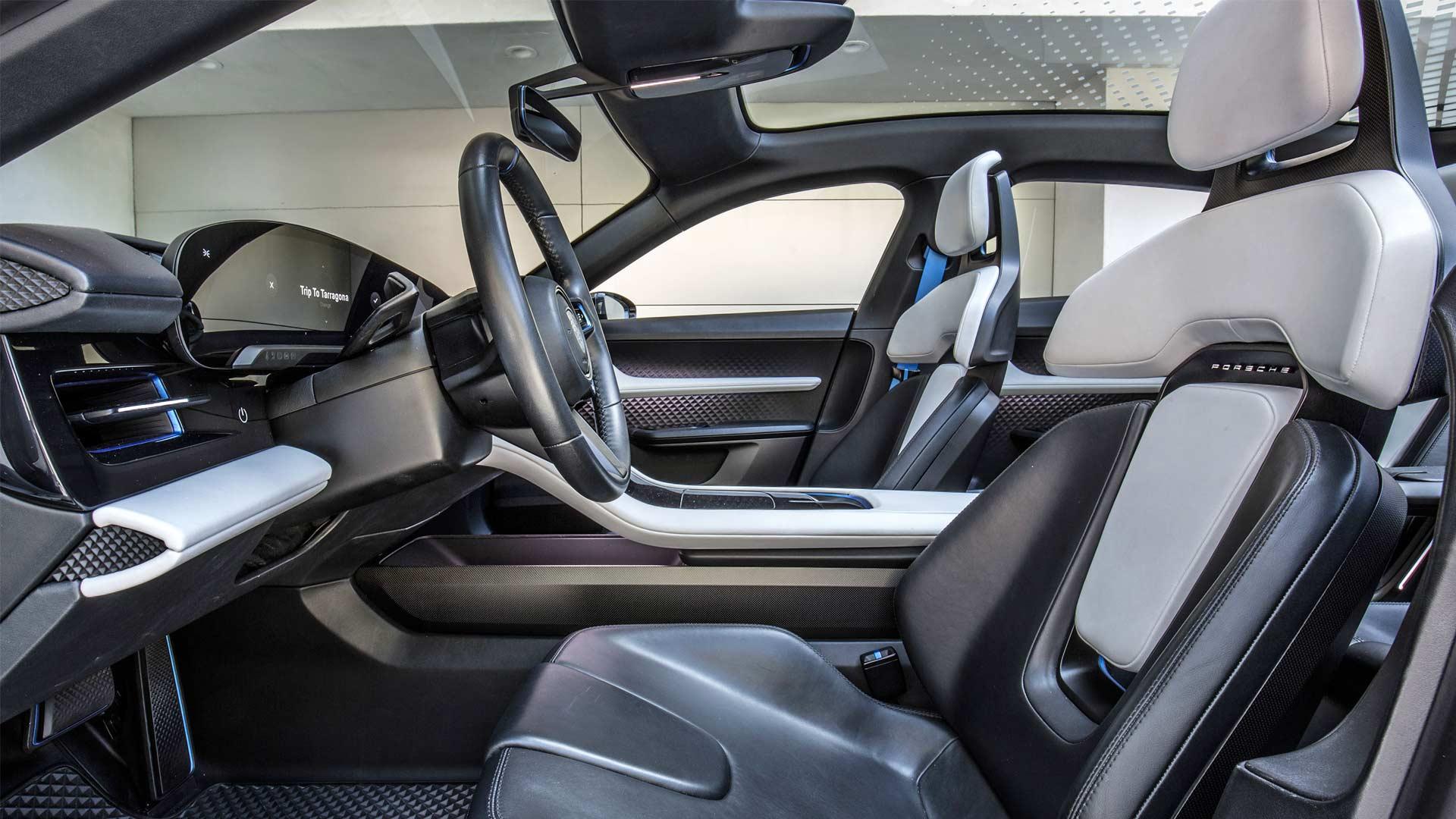 Porsche-Mission-E-Cross-Turismo-Interior-2018-California_2