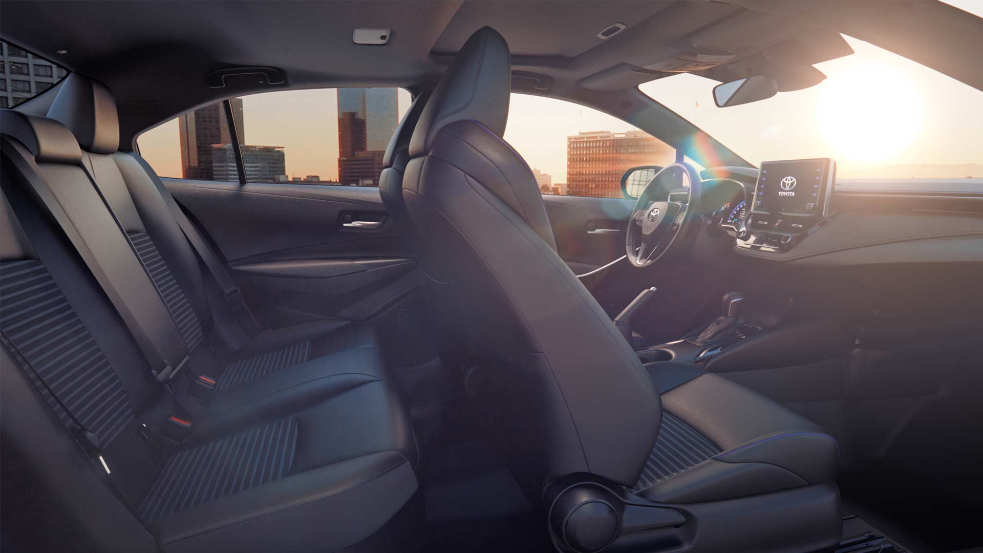 12th-generation-2019-Toyota-Corolla-Sedan-Interior