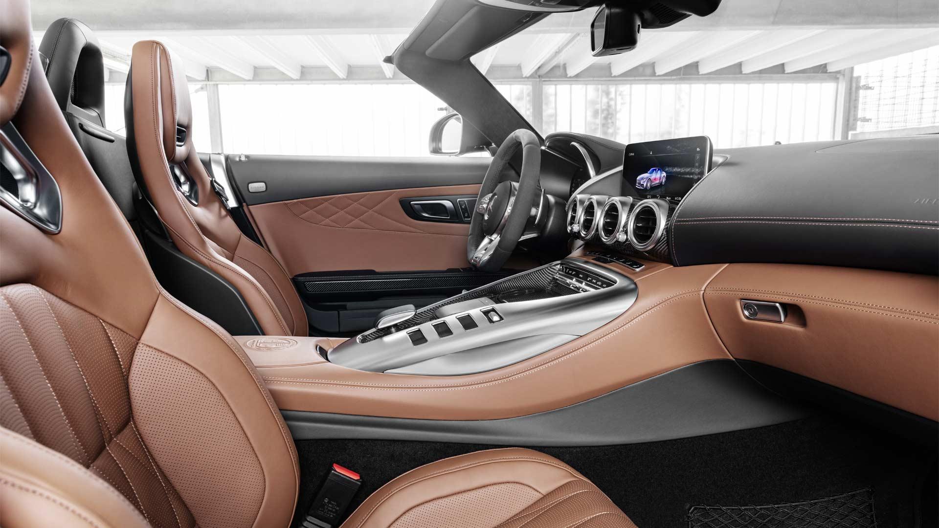2019-Mercedes-AMG-GT-C-Roadster-Interior