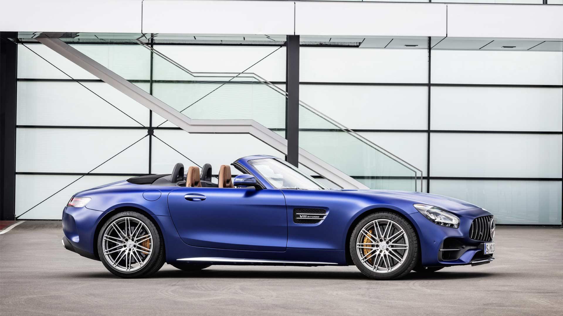2019-Mercedes-AMG-GT-C-Roadster_3