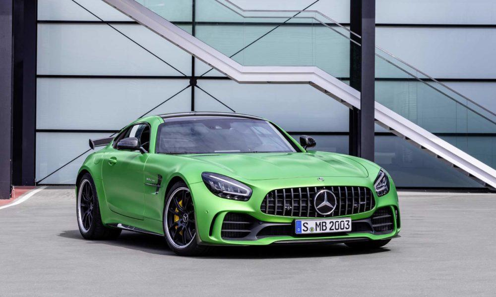 2019-Mercedes-AMG-GT-R