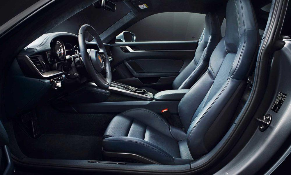 2019-Porsche-911-Carrera-4S-992-Interior