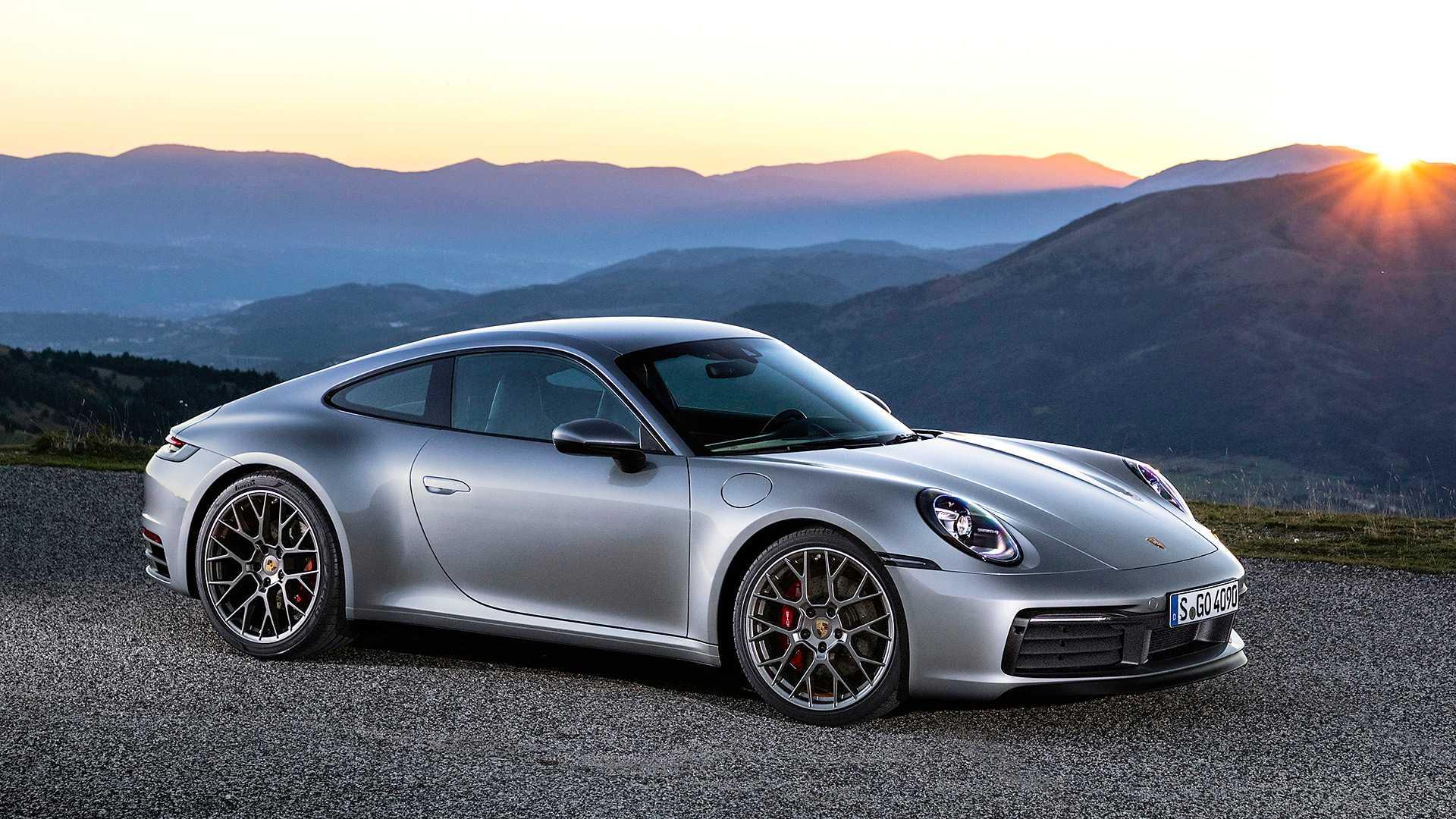 2019-Porsche-911-Carrera-4S-992_3