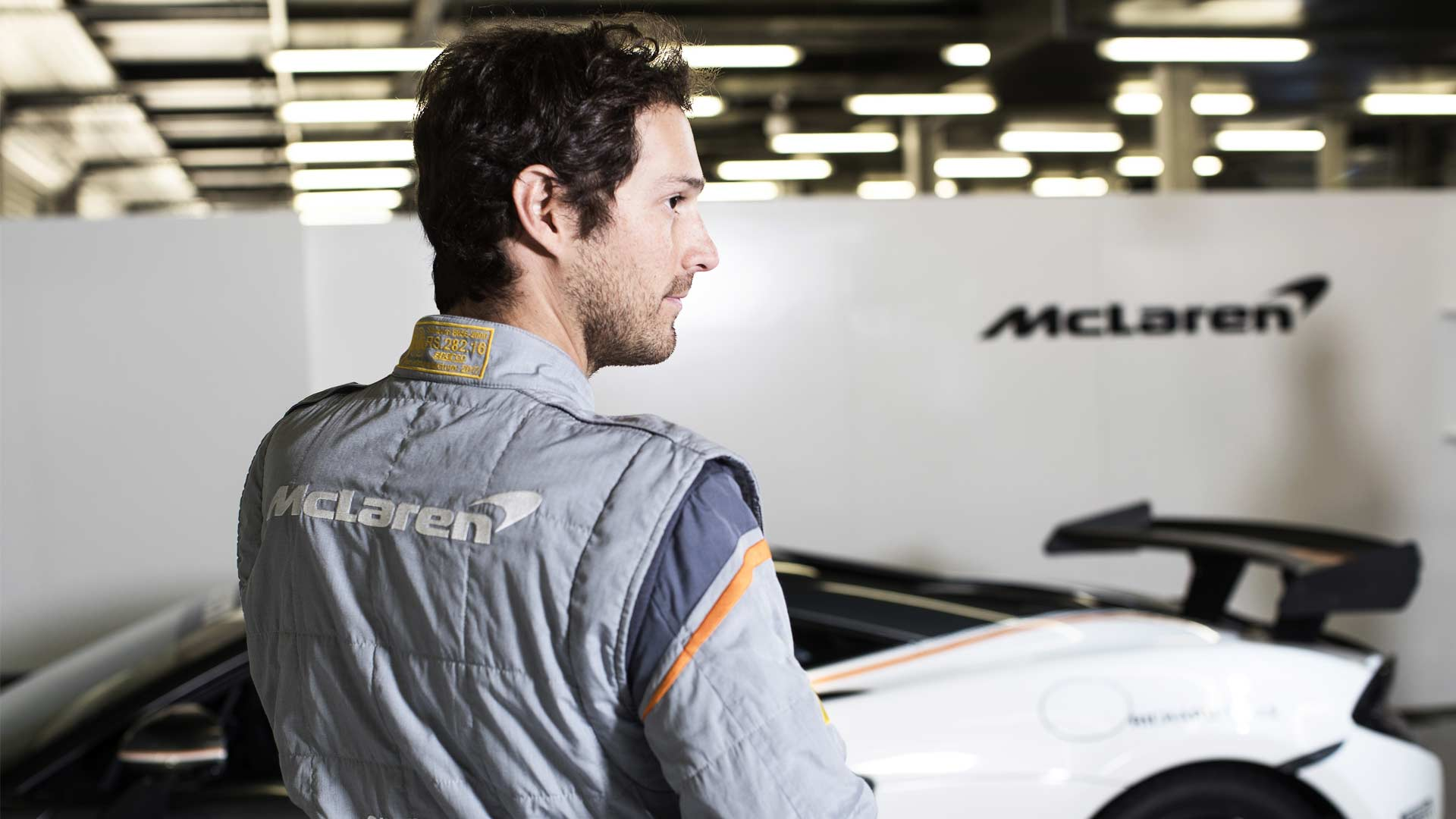 McLaren-and-Sparco-world's-lightest-FIA-certified-race-suit_2