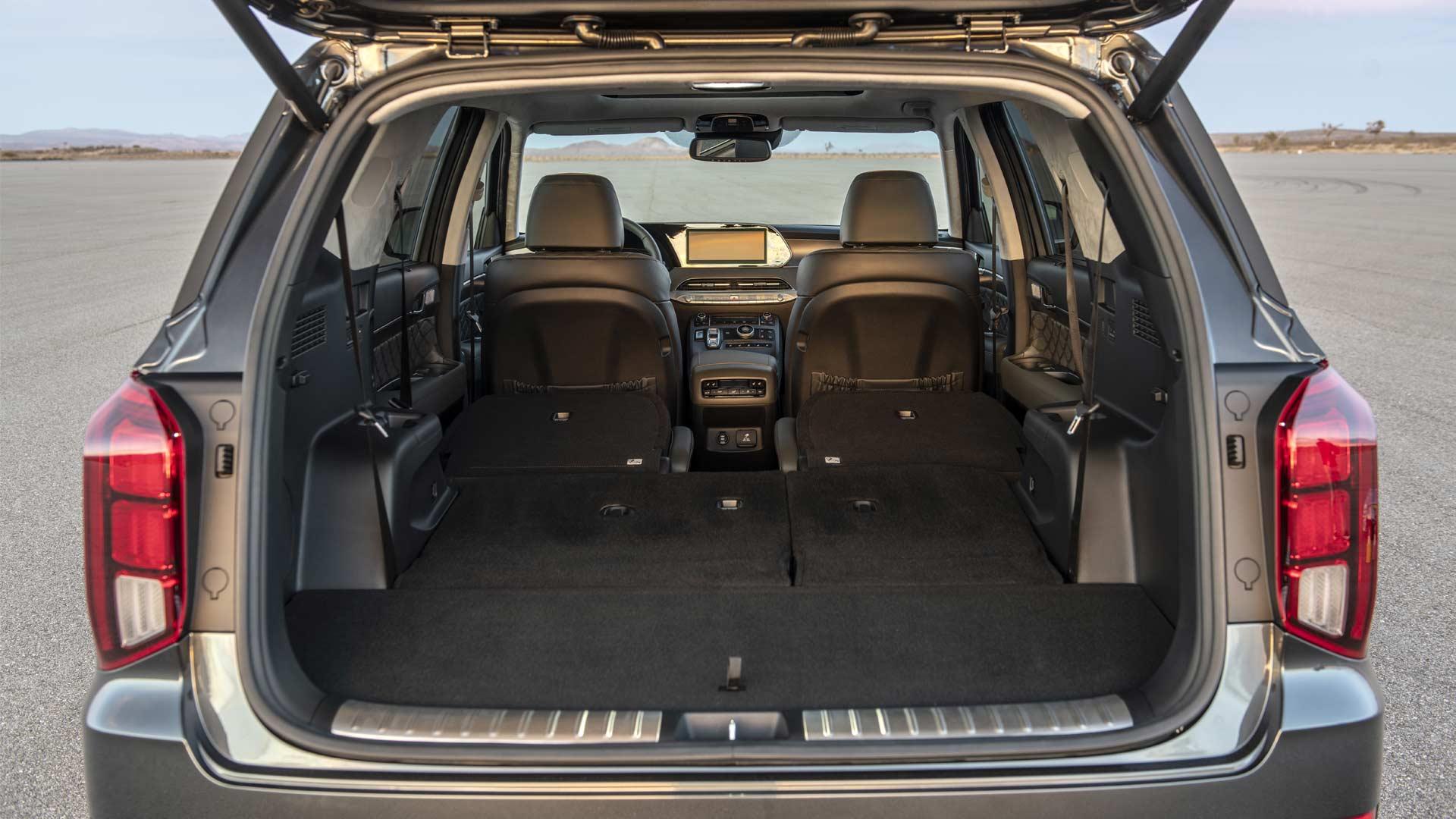 2020-Hyundai-Palisade-Interior-boot